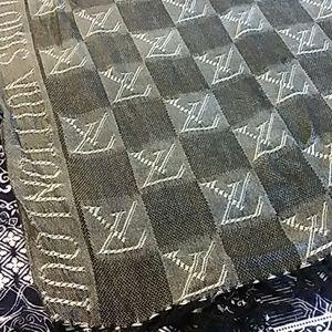 Louis Vuitton Scarf black &  gray